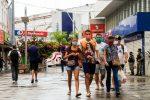 Maceió, 30 de abril de 2020   Pessoas andando com máscaras no centro de Maceió. Alagoas - Brasil. Foto: ©Ailton Cruz